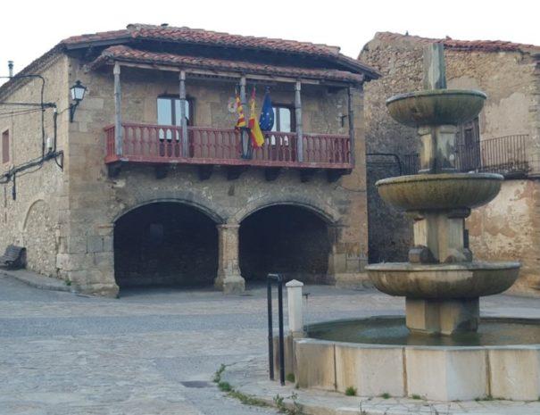 Terriente, plaza del pueblo