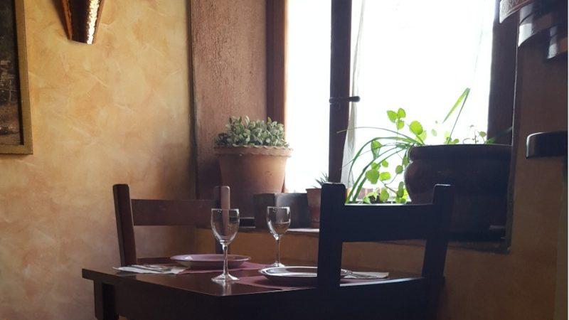 mesa-del-comedor-ventana-abuelo-rullo